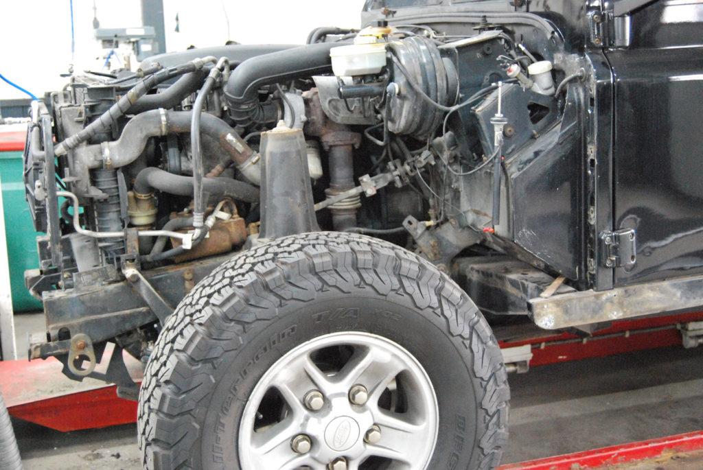 Landrover Defender V8 motor rebuild